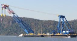 1750 Ton Sheerleg Crane Barge