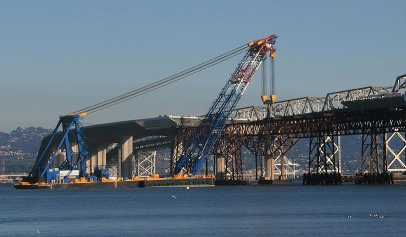 1750 Ton Sheerleg Crane Barge full