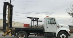 2000 International 4700 Attenuator Truck