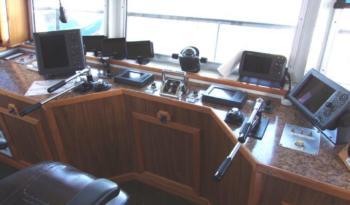 1200 HP Push Boat full